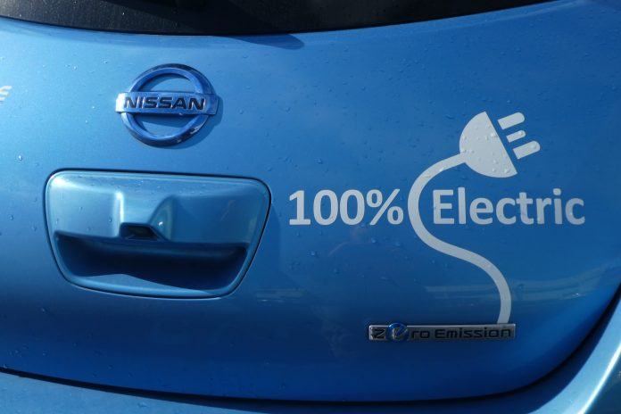 Electric Blue Nissan Leaf Photo by Jan Kaluza on Unsplash