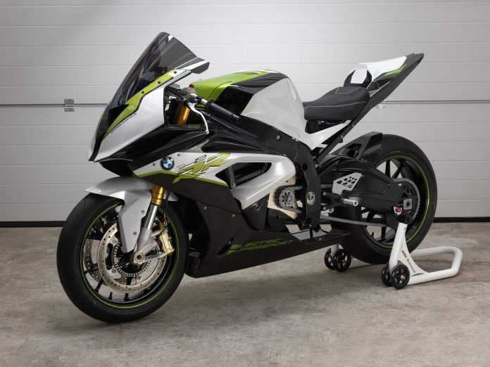 BMW Motorrad presents the experimental vehicle eRR. Supersport dynamism and zero emission thanks to electric power.