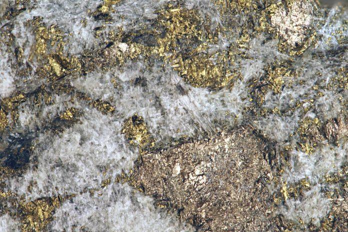 Sulfidic tremolitite (platinum-palladium ore) (Johns-Manville Reef, Stillwater Complex, Neoarchean, 2.71 Ga; Stillwater Mine, Beartooth Mountains, Montana, USA) by James St. John