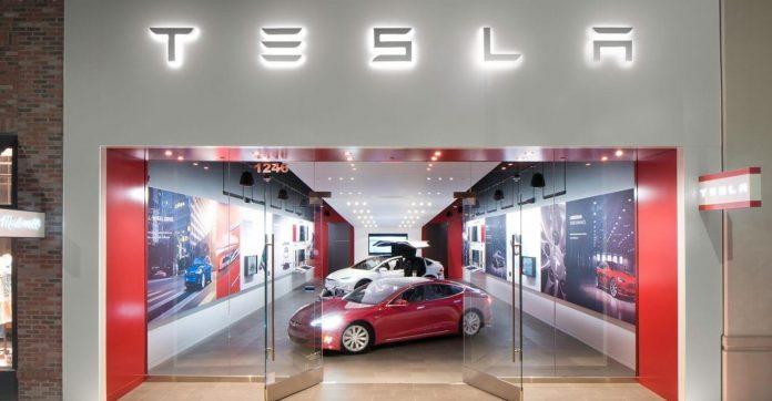 Tesla showroom - Source: Tesla